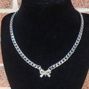 Vintage silver chain bow necklace